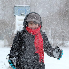 snow showered by Lina Turoci - People Street & Candids ( flinch, red, winter, cold, snow, frost, snowball, squint, clap, snow in face, scarf )
