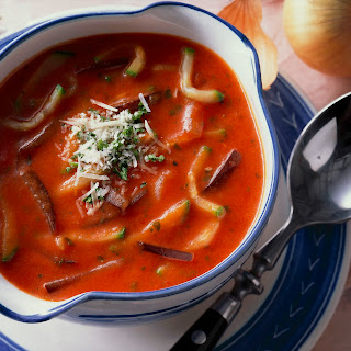 Italienische Gemüsesuppe mit Käse
