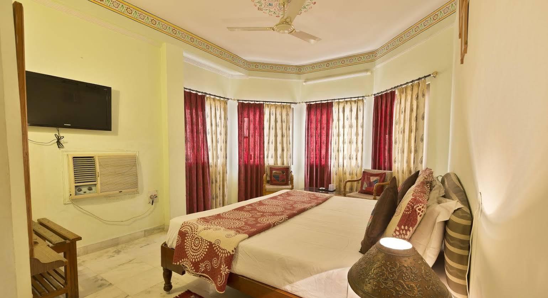 Sarang Palace
