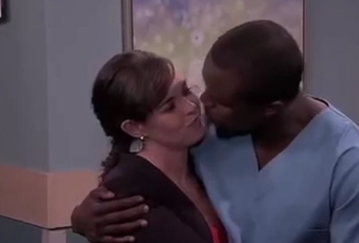 Two characters on 7de Laan shared a kiss that had Mzansi talking. Image: Facebook/7de Laan