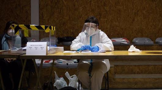 Menos participación en unas elecciones catalanas marcadas por la pandemia