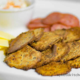 Low Carb Flaxseed Crackers.