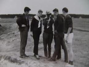 Photo: Ameland v.l.n.r. Lute Hilberts Jzn., Hendrik Speelman, ?? , Evert Mennega, Harm Hadderingh en Hendrik Zwiers