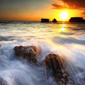Melasti's Tide by Calvin Go - Landscapes Sunsets & Sunrises ( bali, sunset, indonesia, melasti, tide, wave, beach, tanahlot )