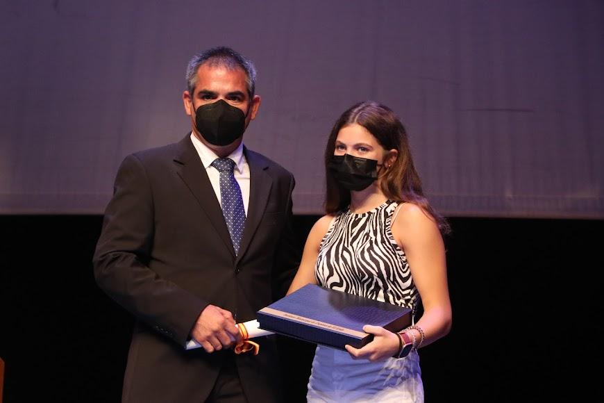 Anastasiya Dmytriv fue galardonada con un Accésit tras proclamarse campeona infantil de España en Natación Adaptada.