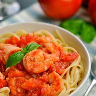 Garlic Shrimp and Tomato Pasta