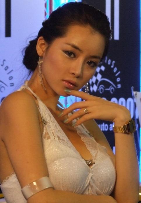 Jihye - Korean model 200712240109.jpg Jihye -  http://henku.info