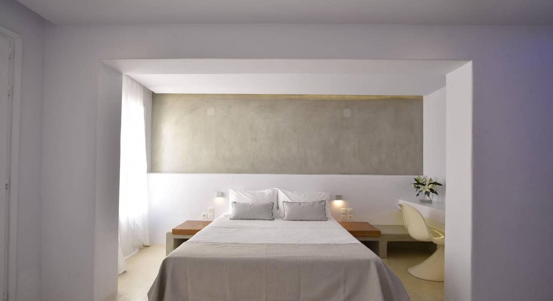 En Lefko Prive Suites Hotel