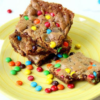 """""""Confetti"""" Topped Chocolate Chip Cookie Cake"""