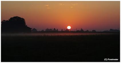 Photo: Sonnenaufgang /Sunrise  (Datum und Uhrzeit (Original)2011:08:26 06:25:16) Heißester Tag im August ! Am Freitag, den 26.08.2011 wurden 38,3 Grad gemessen.