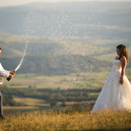 Wedding photographer Gyöngyvér Datki (DatkiPhotos). Photo of 21.11.2017
