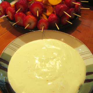 ORANGE-VANILLA GREEK YOGURT FRUIT DIP