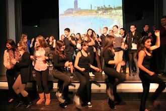Photo: No va costar res treure la gent a ballar.