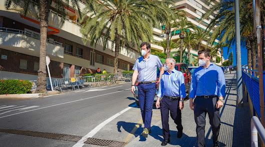 Mejoran la accesibilidad y renuevan el asfalto de la Rambla La Gitana