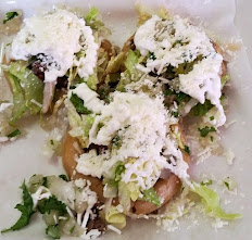 GORDITAS: orden de 3/ order of 3 Pollo o Res / Chicken or Beef