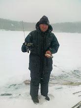 Photo: Kiss Józsi és egy keszeg a hófúvásban.