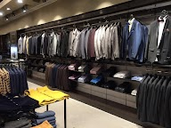 Store Images 2 of Giovani