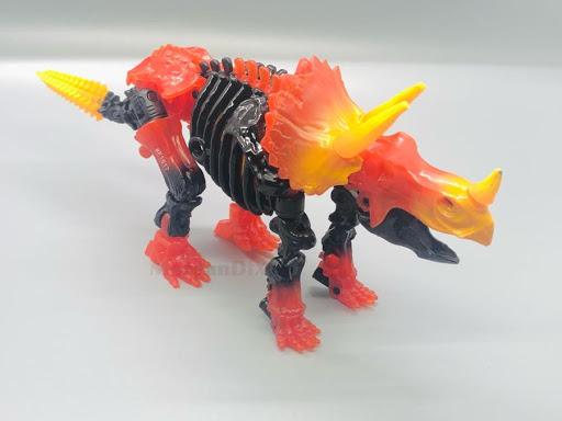 New In-Hand Images Transformers WFC Transmutate, Skelivore, & Tricranius
