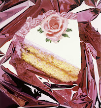 Photo: Cake, 1995–97   © Jeff Koons