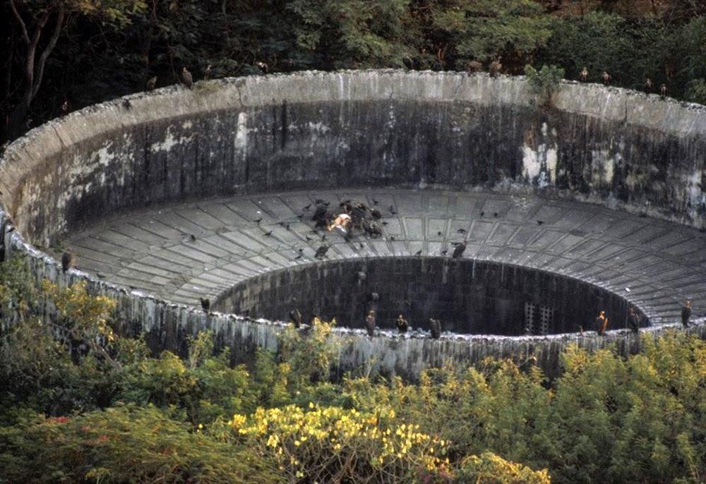 Torres do Silêncio, o estranho ritual da morte