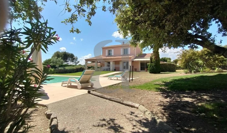Villa with pool L'Isle-sur-la-Sorgue