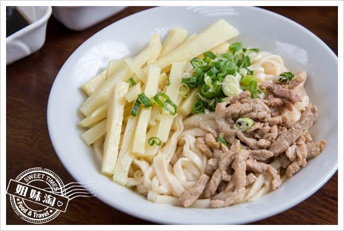 上賓麵食館竹筍肉絲拌麵