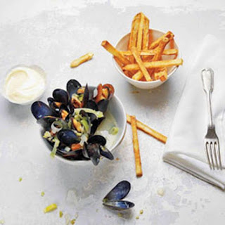 Moules Frites (Steamed Mussels and Fries) Recipe