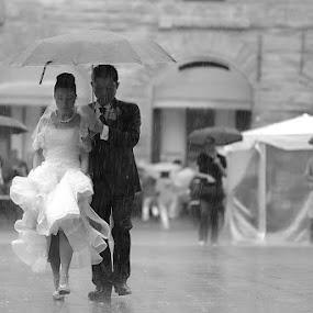 by Alessandro Baglioni - Wedding Bride & Groom