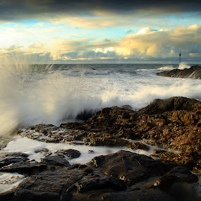 Barrel Rock by Adam Griffin - Landscapes Waterscapes ( water, spray, splash, wave, sea, cloud, rock, beach )