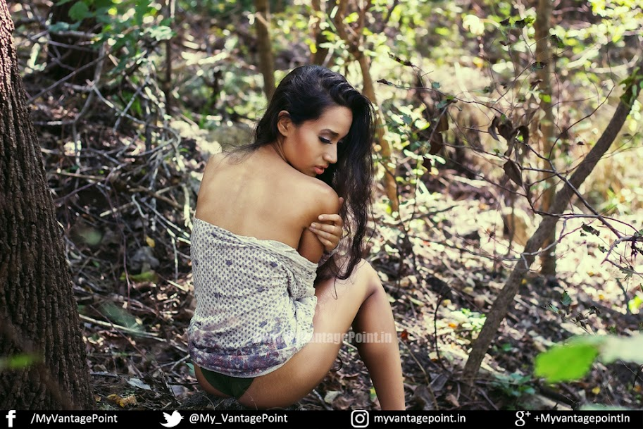Kalham Amor in bikini, Kalham Amor jungle photoshoot, Kalham Amor sexy photos