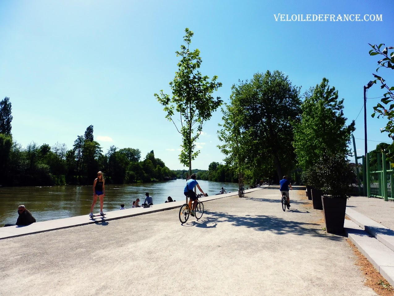 Cycling along the Marne river at Nogent -  Cycling guide from Paris to the Marne River by veloiledefrance.com
