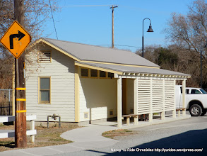 Photo: public restrooms and parking on Locke Rd