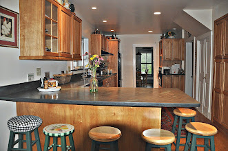 Photo: Kitchen - seating area for 6 persons - Vermont slate stone countertops