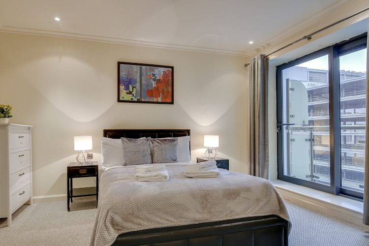 Bedroom at South Quay Serviced Apartments, Canary Wharf