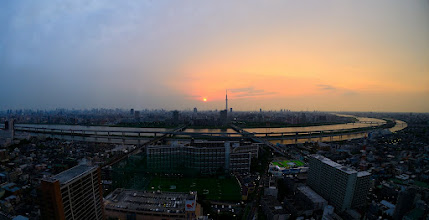 Photo: ■Today's Elevated Expressways This photo is taken by +Takahiro Yanai ! A view of Tokyo Metropolitan Expressway Central Circular Route (首都高速中央環状線), sunset and Tokyo Sky Tree(東京スカイツリー) from Funabori Tower Hall (船堀タワーホール)... :D We were ravished by beautiful one. 今日の高架道路をご紹介します。 もちろん主役は首都高♪ スカイツリーですか?ただの棒です。 +Elevated Expressways #elevatedexpressways #architecture #fisheye #ExpressHighwayPhotowalk201205 #tokyoskytree