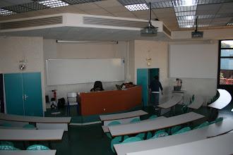 Photo: La salle vide, coté présentation.