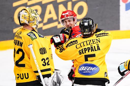 <p>KalPa otti lauantaina kauden kolmannen voittonsa Sportista. (Kuva: Samppa Toivonen) </p>