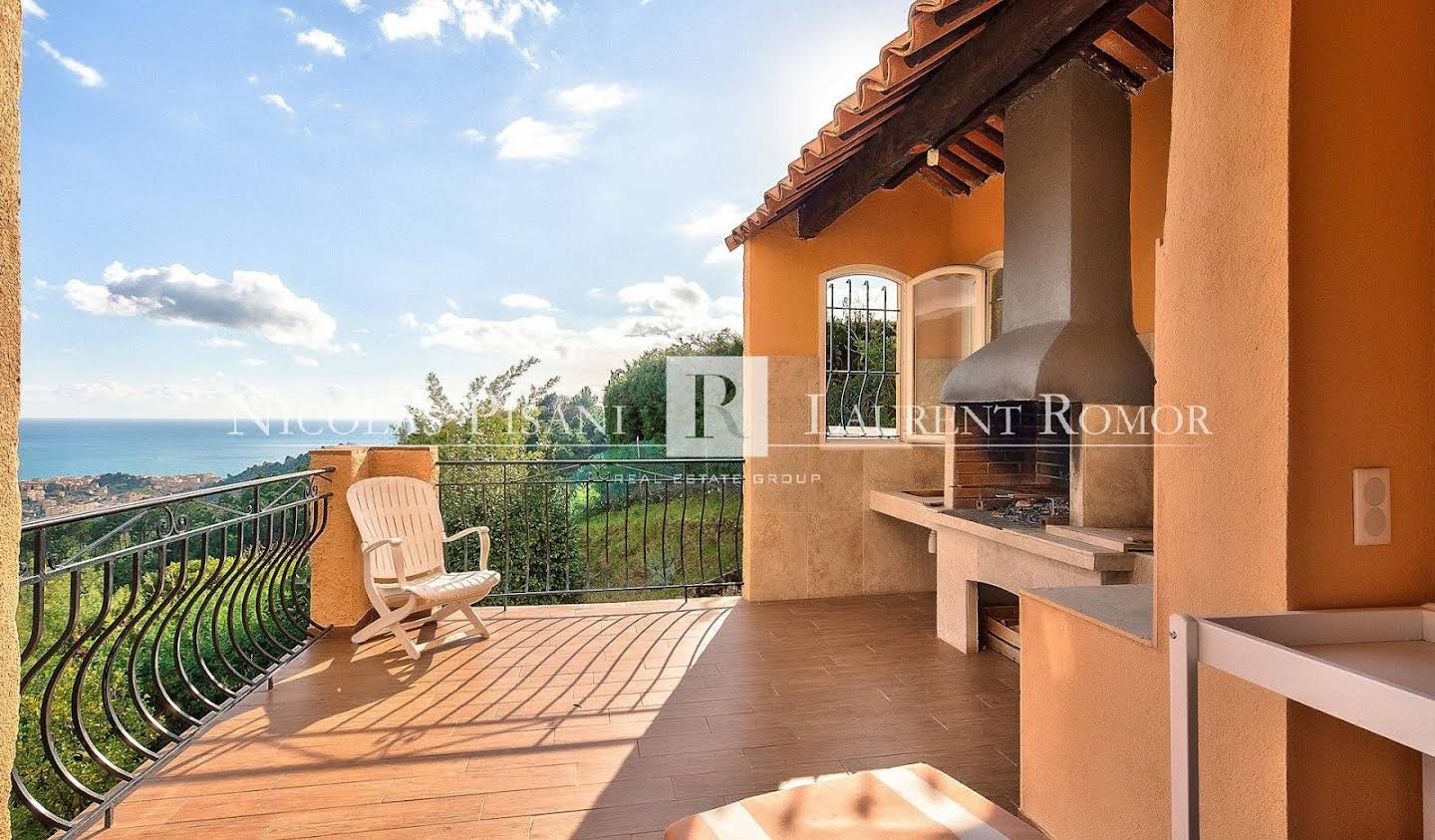 Apartment with terrace and pool Menton
