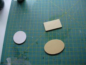 Photo: Maak plankjes rond , ovaal, langwerpig of vierkant. 2mm dik en 35 tot 45 mm groot. ik heb hema plankjes gebruikt