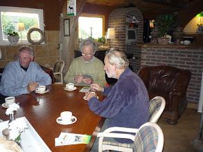 Photo: koffie en gebak in een oergezellig 'caféetje'...