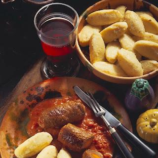 Rouladen auf lombardische Art mit Kartoffelnocken