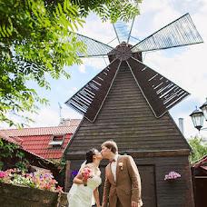 Wedding photographer Ekaterina Nikolaeva (eknikolaeva). Photo of 17.07.2013