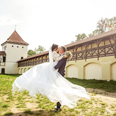 Wedding photographer Nastya Khmelnickaya (jurn). Photo of 02.10.2017