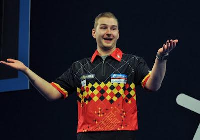 Dimitri Van den Bergh komt vanavond voor het eerst in actie op het WK Darts: wie is zijn tegenstander?