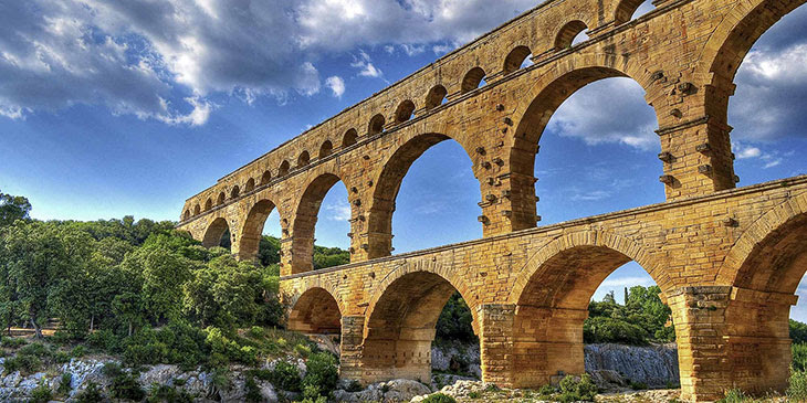 Pont du Gard (Пон дю Гар) - Лангедок-Русийон, Франция. Описание, фотографии, как проехать. Достопримечательности Прованса, путеводитель по городам Прованса и Франции, римский акведук мост, достопримечательности ЮНЕСКО во Франции, самые красивые места во Франции, лучшие места во Франции, лучшие памятники Франции