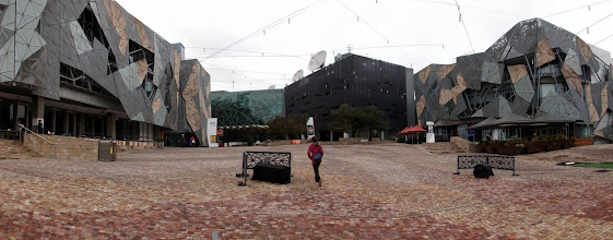 Photo: Melbourne - Federation Square