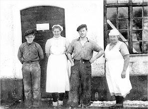 Photo: Mejeriet 1938. fr v Ingemar Falk, Mary Wesström, Ragnar Hellström, Sigrid Göransson mejerska