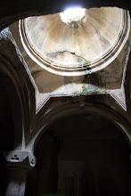 Photo: Это помещение храма было выдолблено в течение 40 лет в 14 веке в скале через вот это верхнее отверстие
