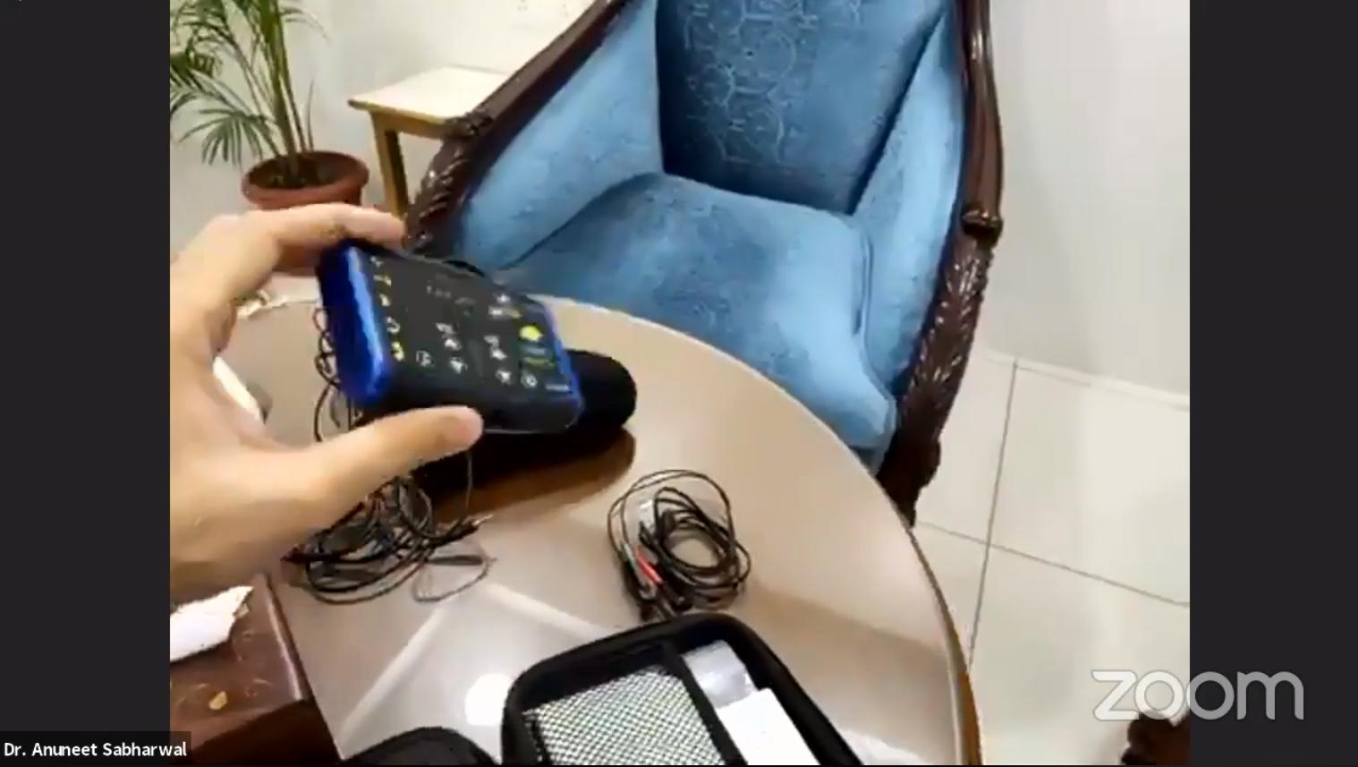 Audio-Visual Entrainment Device