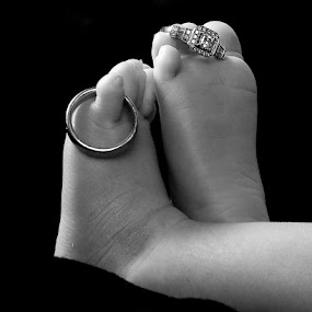 Tiny feet by Tonia Hernandez - Black & White Portraits & People ( newborn toes baby infant feet black and white )
